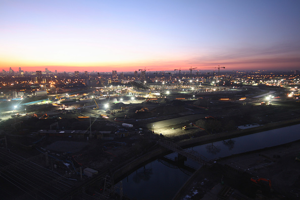 Horizon「Olympic Stadium during construction, Stratford, London, UK, sunset, January 2009, looking West」:写真・画像(9)[壁紙.com]