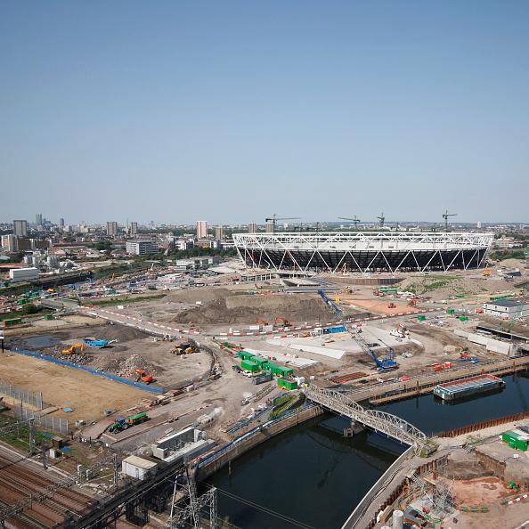 Morning「Olympic Stadium during construction, Stratford, London, UK, morning, August 2009, looking West」:写真・画像(16)[壁紙.com]