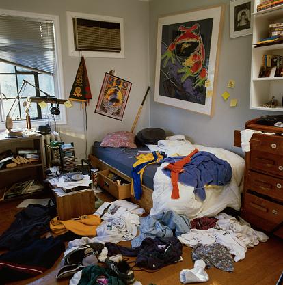 Pennant「Messy Bedroom」:スマホ壁紙(8)
