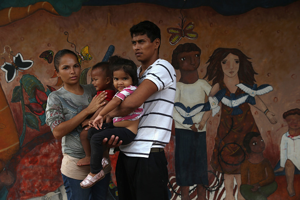Family「Central American Migrants Attempt Arduous Voyage Thru Mexico To U.S.」:写真・画像(19)[壁紙.com]