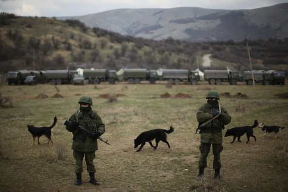 Russian Military「Tensions Grow In Crimea As Diplomatic Talks Continue」:写真・画像(13)[壁紙.com]