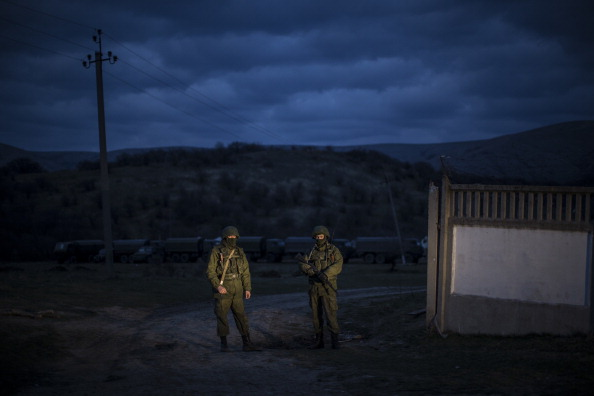 Russian Military「Tensions Grow In Crimea As Diplomatic Talks Continue」:写真・画像(11)[壁紙.com]