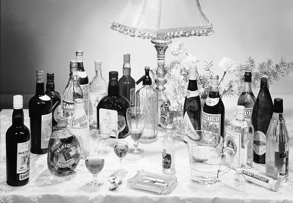 Chaloner Woods「Christmas Drinks」:写真・画像(7)[壁紙.com]