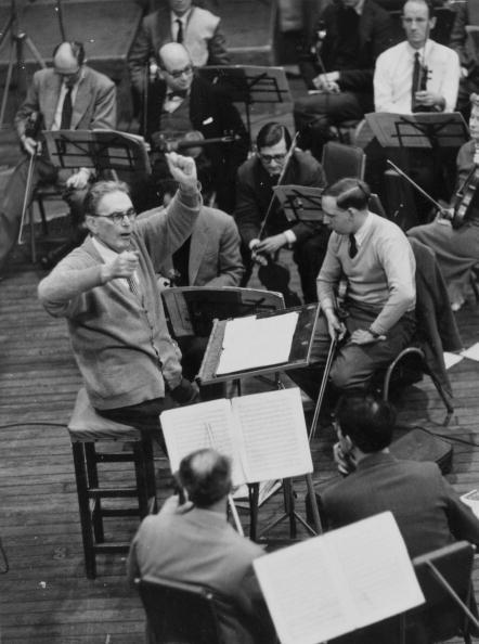Erich Auerbach「Otto Conducts」:写真・画像(10)[壁紙.com]