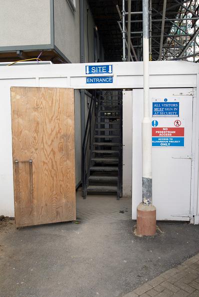 Danger「Site entrance to a construction area, United Kingdom」:写真・画像(9)[壁紙.com]