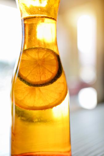 Selective Focus「Lemon slice soaking in bottle」:スマホ壁紙(19)
