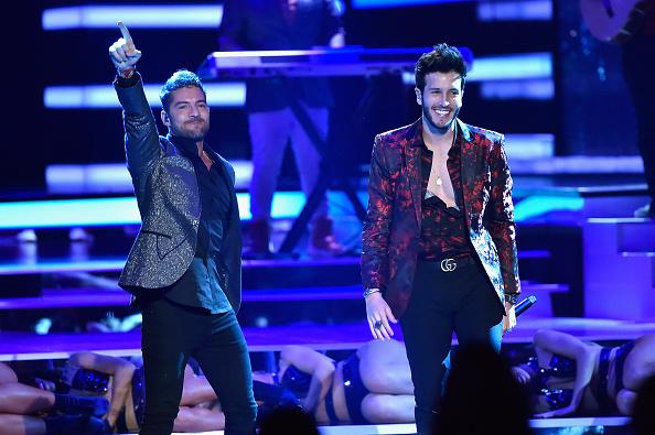 Sebastián Yatra「2018 Billboard Latin Music Awards - Show」:写真・画像(16)[壁紙.com]