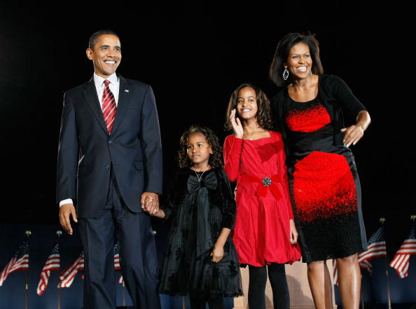 夜景「Barack Obama Holds Election Night Gathering In Chicago's Grant Park」:写真・画像(6)[壁紙.com]
