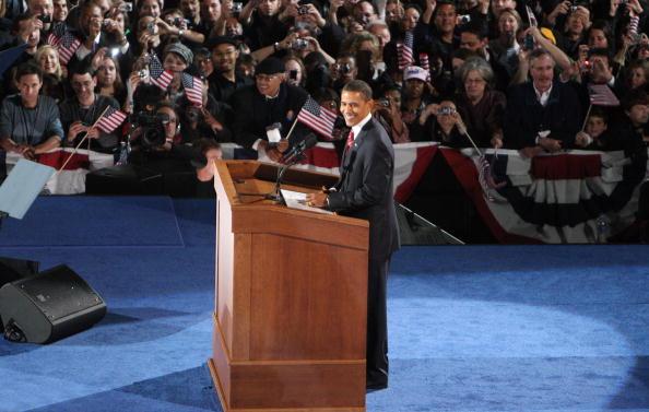勝つ「Barack Obama Holds Election Night Gathering In Chicago's Grant Park」:写真・画像(18)[壁紙.com]