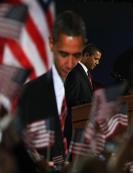 Support「Barack Obama Holds Election Night Gathering In Chicago's Grant Park」:写真・画像(19)[壁紙.com]