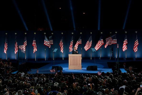 Success「Barack Obama Holds Election Night Gathering In Chicago's Grant Park」:写真・画像(16)[壁紙.com]
