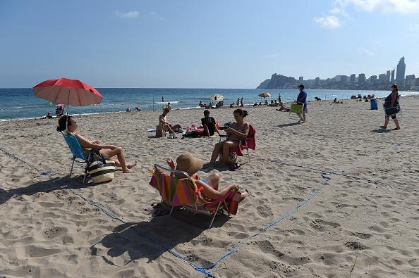 Spain「Benidorm Open Its Beaches With Regulations」:写真・画像(11)[壁紙.com]