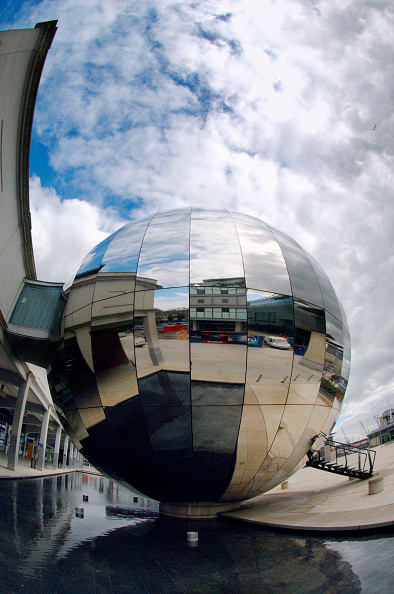 Sphere「Bristol Harbourside Marina, South West, England, UK.」:写真・画像(9)[壁紙.com]