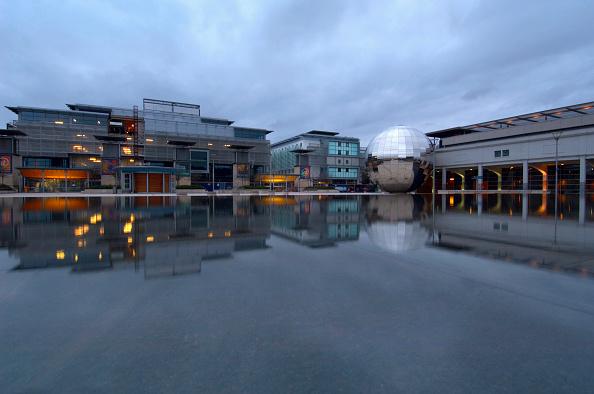 Sphere「Bristol Harbourside Marina, South West, England, UK.」:写真・画像(15)[壁紙.com]