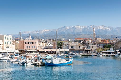 Aegean Sea「Greece, Crete, Harbour of Chania」:スマホ壁紙(18)