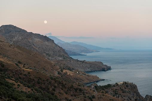 Aegean Sea「Greece, Crete, South coast in the evening, full moon」:スマホ壁紙(2)