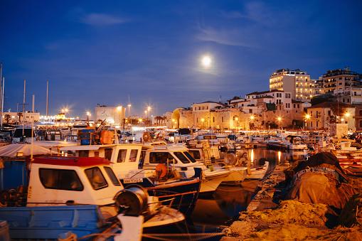 Aegean Sea「Greece, Crete, harbour of Iraklion」:スマホ壁紙(8)