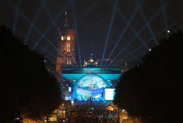 Sphere「Germany Celebrates 30th Anniversary Of Berlin Wall」:写真・画像(0)[壁紙.com]