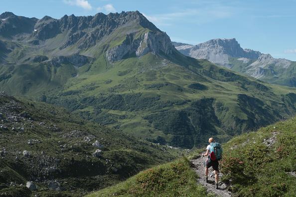 Hiking「Travel Destination: Raetikon Mountain Range」:写真・画像(6)[壁紙.com]