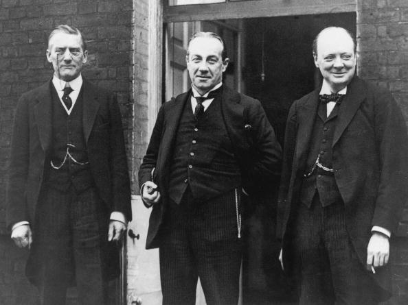Chancellor「Political Trio」:写真・画像(6)[壁紙.com]
