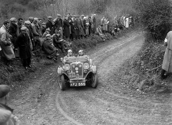 Country Road「Singer Le Mans of ET Ingham competing in the MCC Lands End Trial, 1935」:写真・画像(0)[壁紙.com]