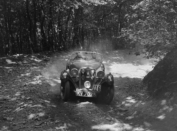 Hove「Singer Le Mans competing in the Brighton & Hove Motor Club Brighton-Beer Trial, 1934」:写真・画像(2)[壁紙.com]