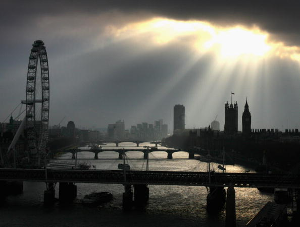 Millennium Wheel「Winter Sun Breaks Through the Clouds Over Westminster」:写真・画像(10)[壁紙.com]