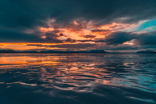 Dramatic Landscape「Winter sunset, Lake Myvatn, Iceland」:スマホ壁紙(16)