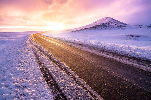 Country Road「Winter sunset view on the road trip」:スマホ壁紙(7)