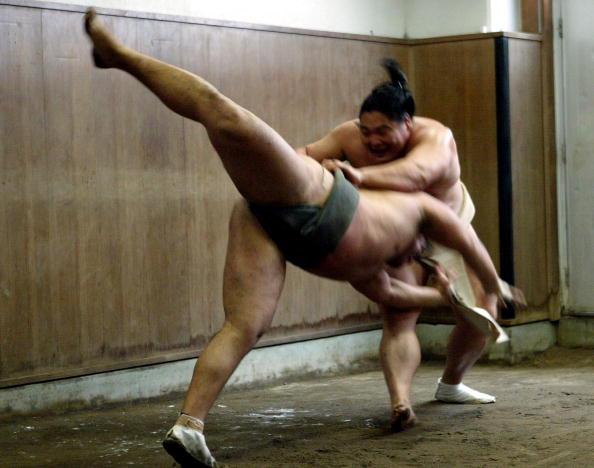 旭鷲山「Sumo Wrestlers Prepare For Tournaments」:写真・画像(0)[壁紙.com]