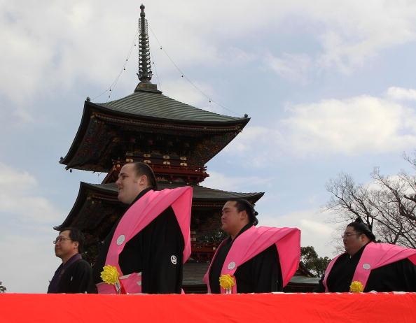 稀勢の里 寛「Bean Scattering Ceremony Held To Celebrate The Coming Of Spring」:写真・画像(3)[壁紙.com]