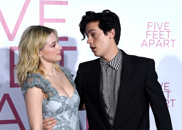 "Cole Sprouse「Premiere Of Lionsgate's ""Five Feet Apart"" - Arrivals」:写真・画像(16)[壁紙.com]"