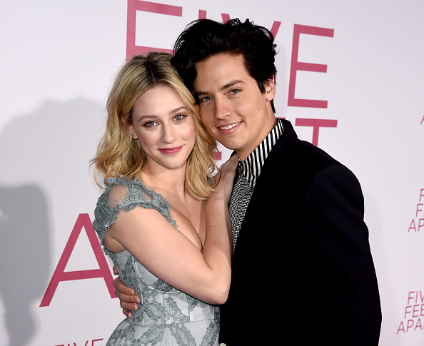 "Cole Sprouse「Premiere Of Lionsgate's ""Five Feet Apart"" - Red Carpet」:写真・画像(0)[壁紙.com]"