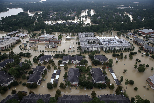 Following - Moving Activity「Epic Flooding Inundates Houston After Hurricane Harvey」:写真・画像(13)[壁紙.com]