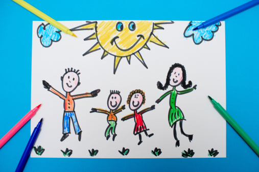 Parent「A young child's drawing of a happy family jumping」:スマホ壁紙(4)