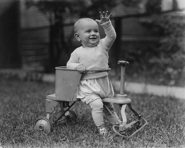 Wheel「Child On Toy Bicycle」:写真・画像(0)[壁紙.com]