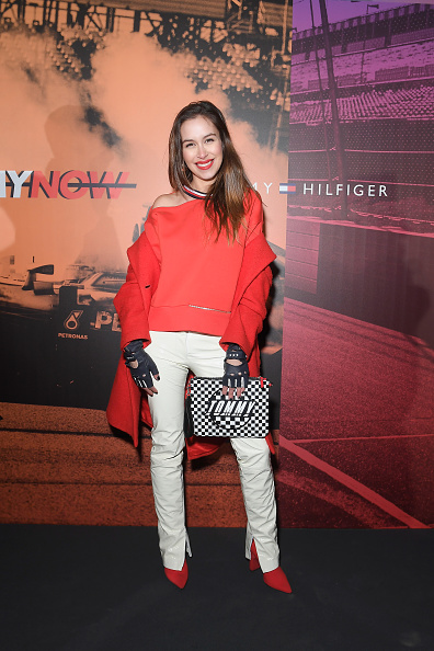 赤のコート「Tommy Drive Now Show - LATAM Guests - Milan Fashion Week Fall/Winter 2018/19」:写真・画像(17)[壁紙.com]