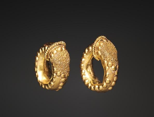 Creativity「Pair Of Earrings」:写真・画像(8)[壁紙.com]