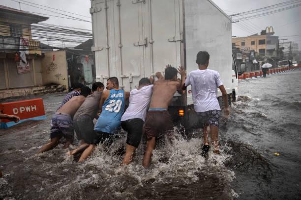 Typhoon Kammuri Hits The Philippines:ニュース(壁紙.com)