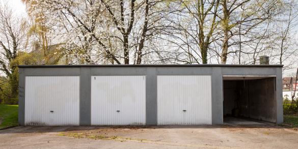 Side By Side「Germany, North Rhine-Westphalia, Dortmund-Boevinghausen, Garages」:スマホ壁紙(18)