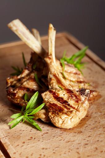 Lamb - Meat「Appetizing grilled cutlets on a wooden cutting board.」:スマホ壁紙(4)
