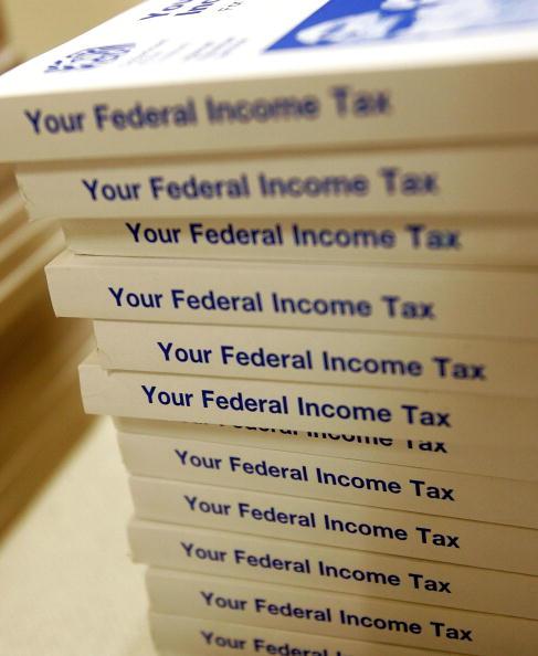 Politics「Tax Preparers Work Night Shift As Tax Deadline Nears」:写真・画像(19)[壁紙.com]