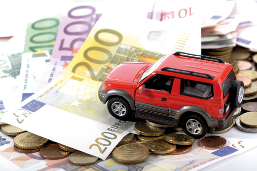 Passenger「Toy car on Euro notes and coins」:スマホ壁紙(1)