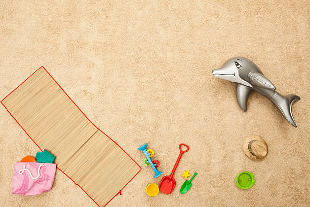 Germany, Beach toys on beach:スマホ壁紙(壁紙.com)