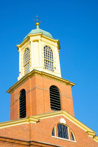 Episcopalian「Looking up at Portsmouth church steeple」:スマホ壁紙(18)