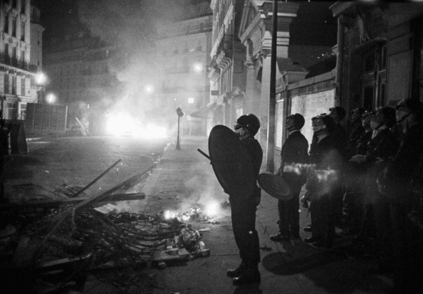 Reg Lancaster「French Riots」:写真・画像(7)[壁紙.com]
