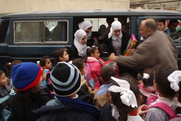 School Bus「School Re-opens For Children In Gaza」:写真・画像(17)[壁紙.com]