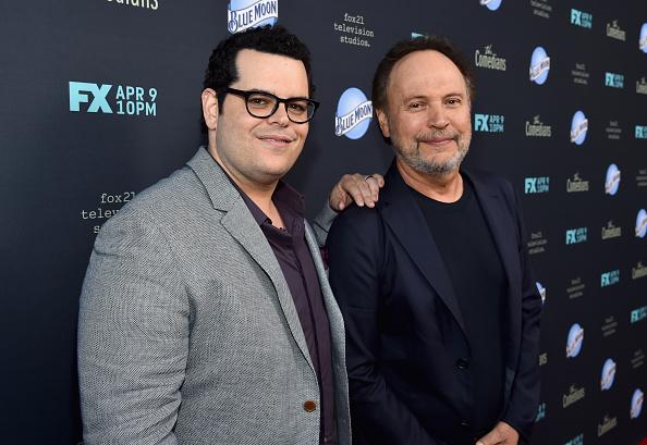 Billy Crystal「Premiere Of FX's 'The Comedians' - Red Carpet」:写真・画像(12)[壁紙.com]