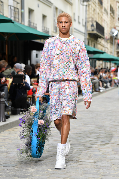 Menswear「Louis Vuitton : Runway - Paris Fashion Week - Menswear Spring/Summer 2020」:写真・画像(0)[壁紙.com]