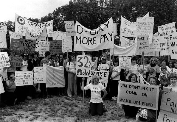 Human Rights「Pay Dispute」:写真・画像(17)[壁紙.com]